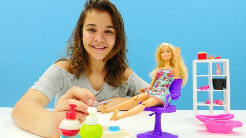 Barbie oyunu. Pedikür ve bakım yapma oyunu!