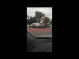 «Тройничок» из машин мешает проезду на Краснинском шоссе в Смоленске
