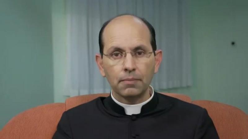 Pe. Paulo. 1.Converçao, 2.Pe. Pio, 3.E agora, vamos? 4.Crise na Igreja, 5.Protestante.