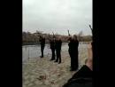 Священник РПЦ проводит молебен с представителями казачества за мир во всём мире