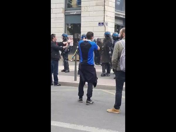 Lyon Centre ville acte 25 Le 4 Mai 2019 La police vise la tete