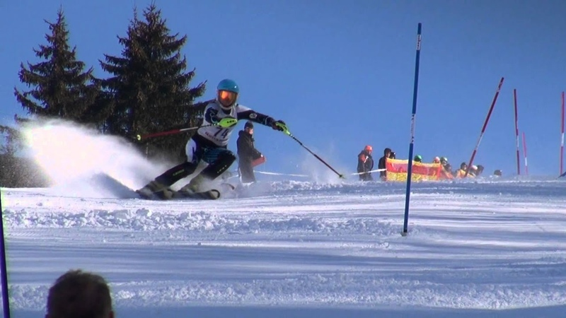 HQ Super slow motion skiing (F-HD) slalom and giantslalom Elle