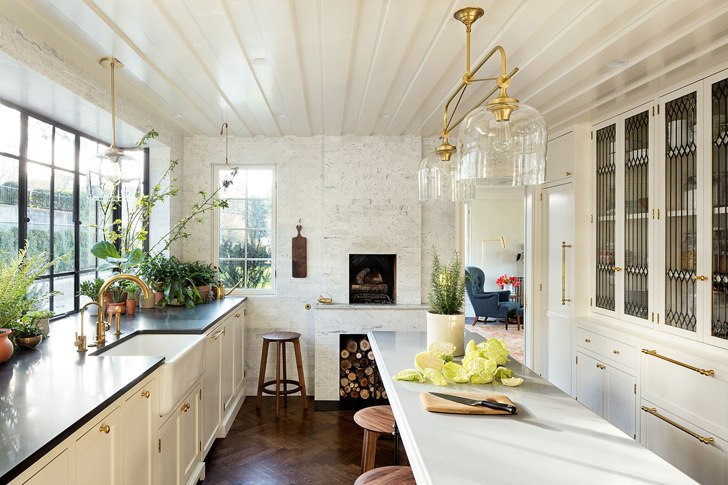 Уютный интерьер столетнего дома в США
