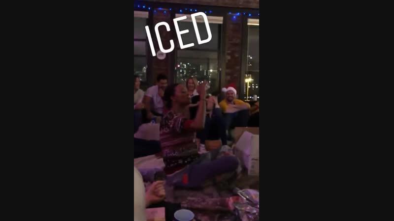 Стивен и Кассандра на вечеринке дома у Эмили [9.12.2018]