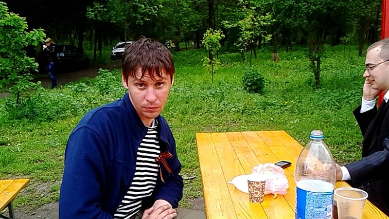 9 мая 2015 г. Запорожье.Парк Победы. Колорадская вата доказывает что деды воевали с ленточкой