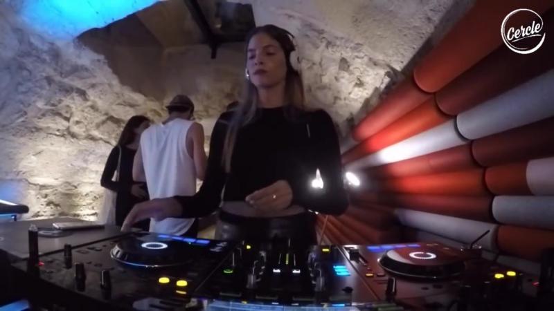 Laura de Greef @ La Grotte on Cercle [DJ Live Set HD 720] (DH)