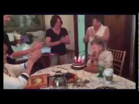 Бабуля сделала смешной сюрприз на свое 102 е День рождения! Прикол