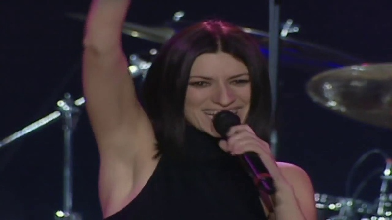 Laura Pausini Volvere Junto a Ti(World Tour 2001-2002)