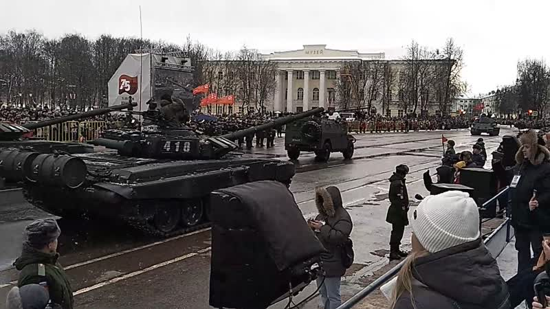 Парад в честь 75 летия освобождения Новгорода от немецко-фашистских захватчиков