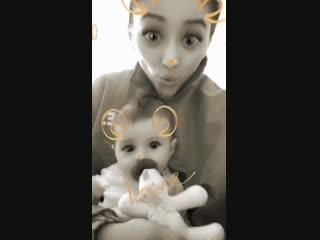 Shay Mitchell's Instagram Story (24 ноября 2018)
