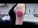 Тату-мастер Катя Маслова (small colored realistic tattoo lotus)   Тату - студия Дом Элит Тату (Tattoo Studio Moscow)