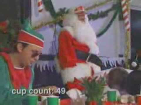 Jackass Especial de Navidad-Competencia de ponche de huevo