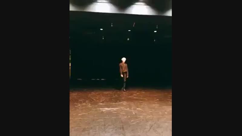 невероятные движения мин юнги ( Шуга танцует)