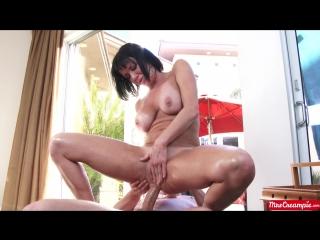 Veronica Avluv - This MILFs Desperate For Cum