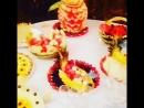 Красивое оформление стола из арбуза и фруктов