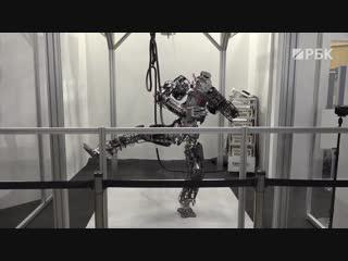 Всемирный саммит роботов в Японии