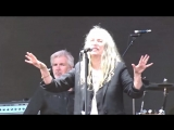 Patti Smith - Beds Are Burning cover Midnight Oil, 06062018