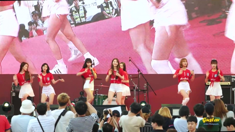 · Fancam · 180618 · OH MY GIRL - The Shouts of Reds Secret Garden A-ing Windy Day · Gyeonggi Cheering Event ·