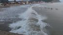 Волны на черном море Архипо - Осиповка после шторма