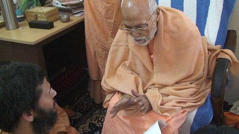 Srila Gurudev dedicating TIRTHA to Sree Giriraj
