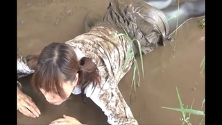 2° Part -【Japanese Girl With Her Sailor Fuku Getting Fully Messy And Soaked】