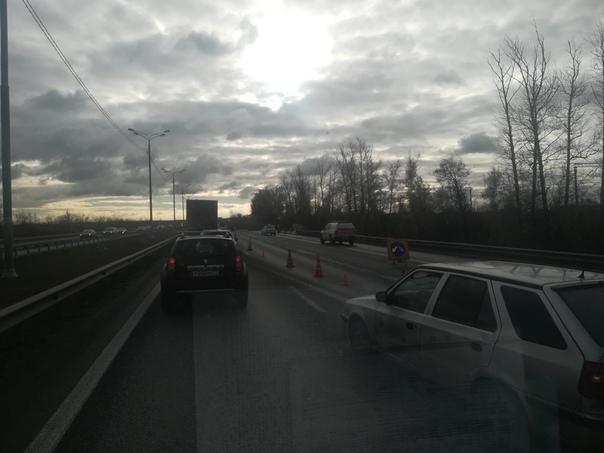 Не далеко от города Домодедово Дтп на трассе м4 с участием Большегруза.