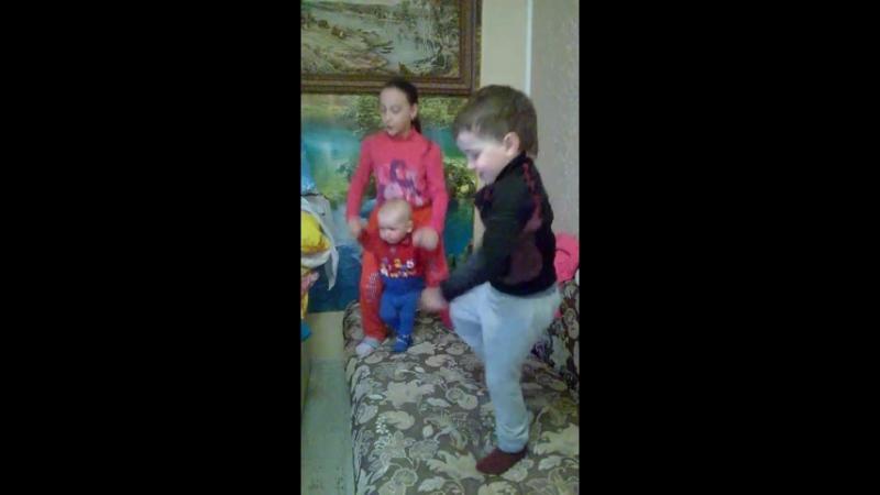 танцуй пока молодой 😍