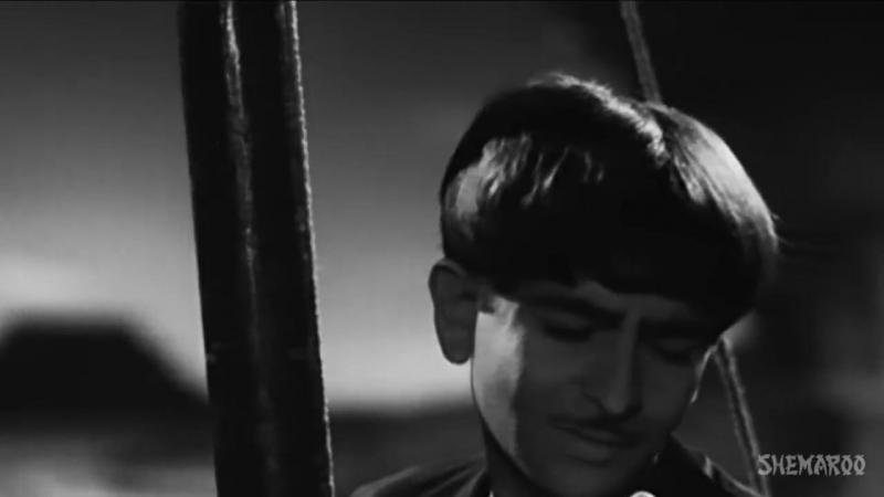 Dum_Bhar_Jo_Udhar_-_Raj_Kapoor_-_Nargis_-_Awaara_-_Mukesh_-_Lata_Mangeshkar_-_Evergreen_Hindi_Songs_(MosCatalogue.net).mp4
