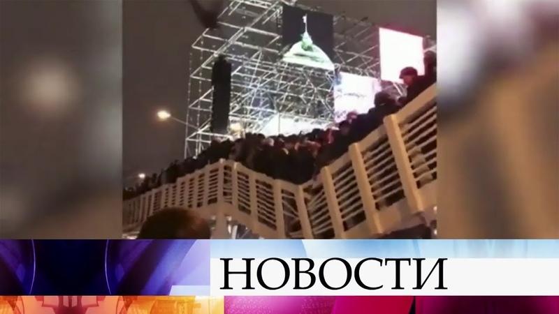 В Москве выясняют причины обрушения пешеходного моста в Парке Горького