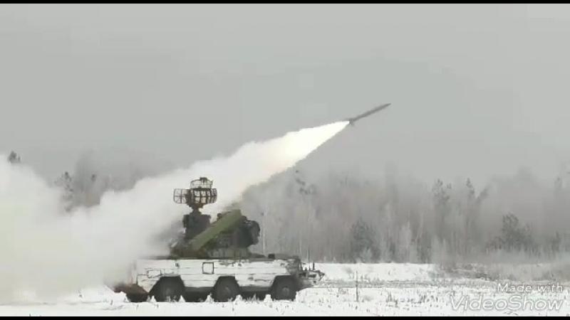 🔹Новейшие зенитно-ракетные комплексы: Бук-МЗ и Тор-М2. 🇷🇺