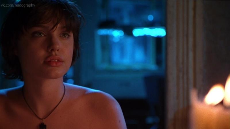 Анджелина Джоли Angelina Jolie голая и другие в фильме Ложный огонь Foxfire 1996 Аннетт Хейвуд Картер HD 1080p