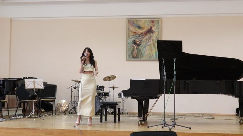 Гос. Влада Гогичаева. Sting- La belle dame sans regrets.
