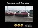 Frauen und Parken