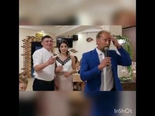 Шок!!! Гость измазал тортом ведущего @nikitapetrov18 ??♂️??♂️??♂️ на свадьбе в можге?? . . #ведущий #никитапетров