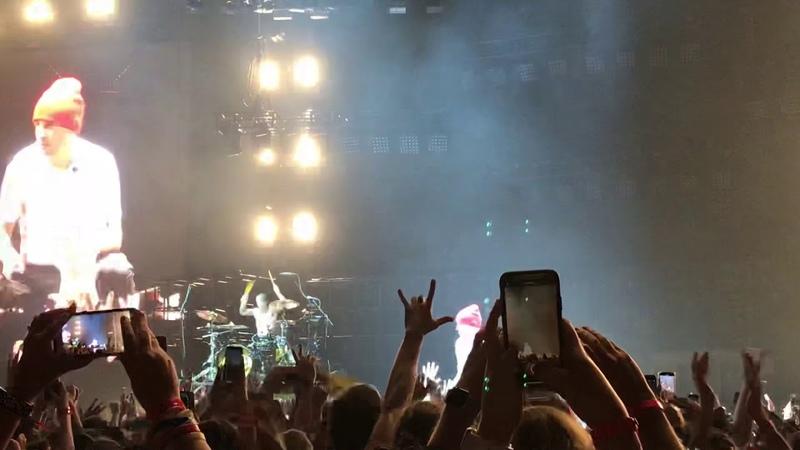 """Holding On To You"" - twenty one pilots - Vivint Smart Home Arena - Salt Lake City - 11/13/18"