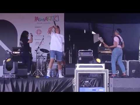 RADIGALS Jaded Views live at 100 BANDS FESTIVAL 021016