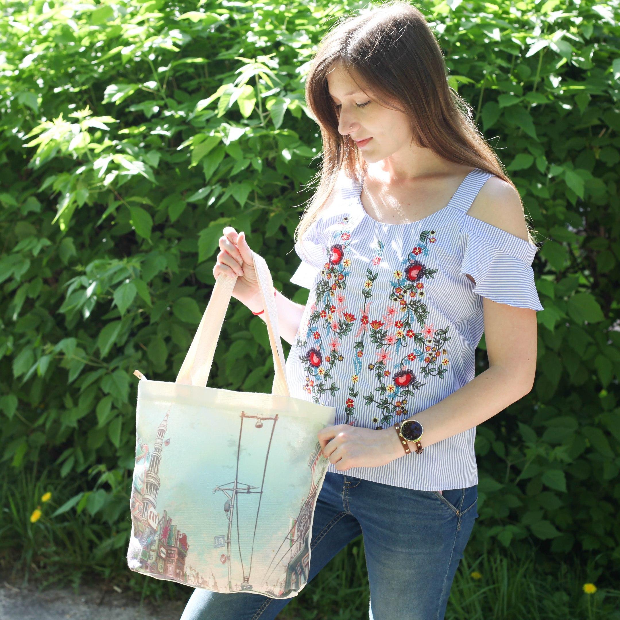 Удобная летняя сумка