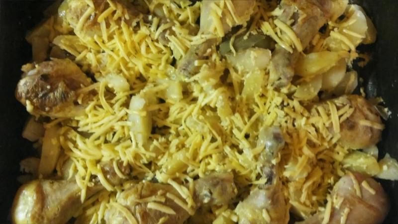 Запеченная картошка с курицей