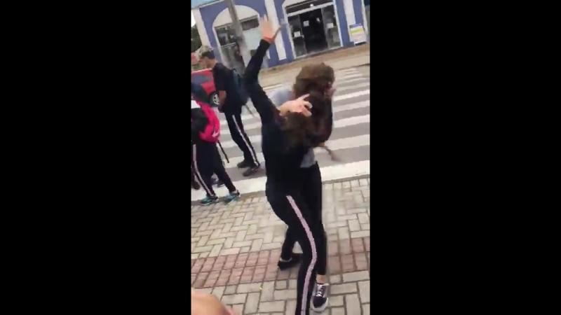 Briga na escola de Andriguetto Meninas ( Briga de Tapas e etc )