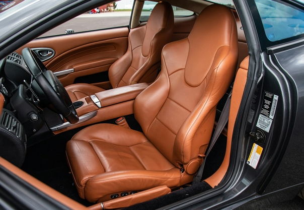 Очень редкие : Aston Martin Vanquish S `2005 Двигатель: 5.9 V12 АтмоМощность: 520 л.с. при 7000 об/vмин Крутящий момент: 577 Нм при 5800 об/vмин Трансмиссия: Робот 6 ступ. Макс. скорость: 321