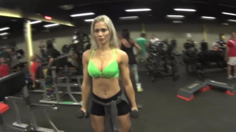 Vivi Winkler startlingly hot muscular legs and glutes - Brasilian fitness model