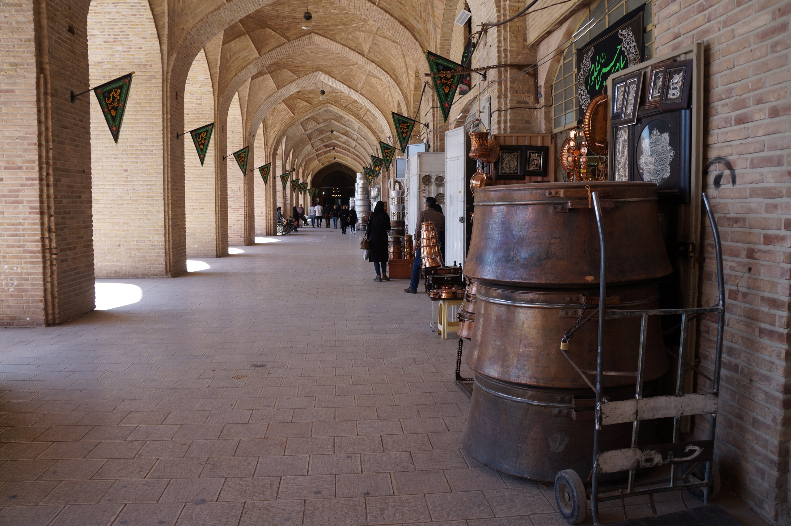 The biggest bazaar in the Middle East Bazaar, Kerman, bazaar, Bazaar, market, trade, case, Rate, Pay, meet, attention, ancient, Rastabazar, attractions