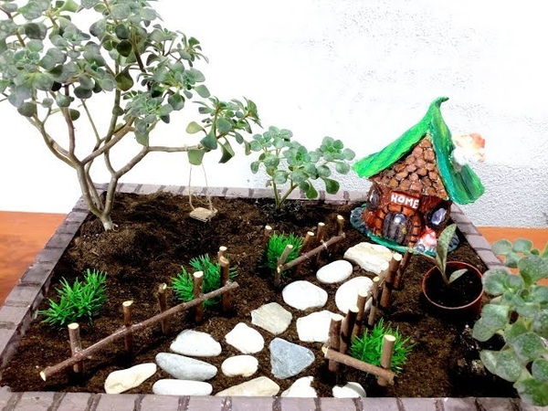 How To Make a Fairy Garden with Home / DIY
