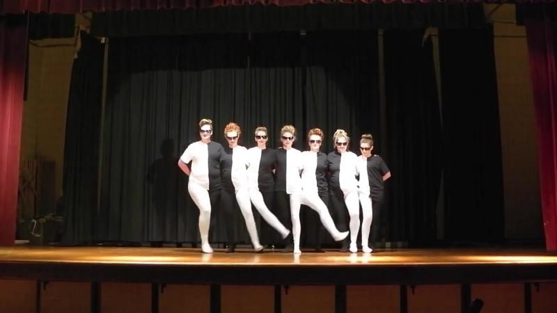 Шикарный танец с оптической иллюзией