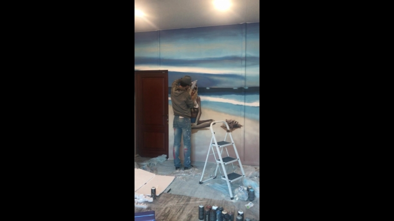 Художник 👩🏻🎨 рисует в салоне лазерной Эпиляции Ваше сиятельство