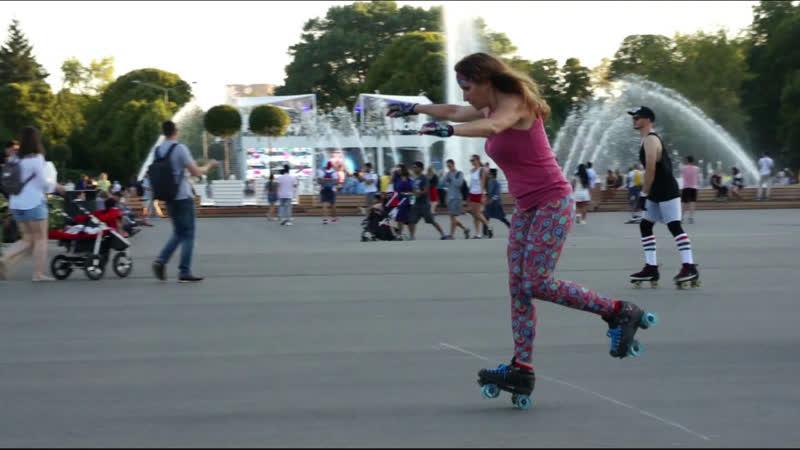 Алексей и Женя катаются на квадах в Парке Горького
