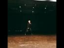 Если кто-то скажет, что Юнги не умеет танцевать, я просто швырну этим видео ему в лицо.