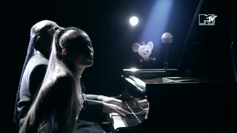 STEVIE WONDER WITH ARIANA GRANDE Faith MTV NEO