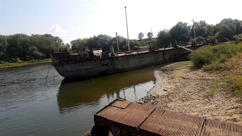 Серпуховский затон порт старая баржа 4K