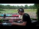 Hardwell playing 'Red Carpet - Alright' back in 2010 at Tomorrowland